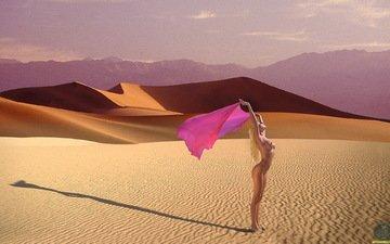 девушка, пустыня, обнаженная