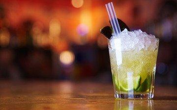 вода, макро, напиток, лёд, кружка, кружки, коктейль, столы, посуда, коктейли, стаканы, трубочка, льдинки, капитки, трубочки