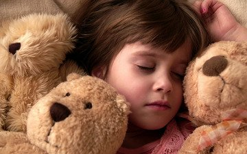 ночь, настроение, ситуация, мишки, сон, дети, девочка, настроения, отдых, игрушки, девочки, кровать, ситуации, малыши, медведи, подушка