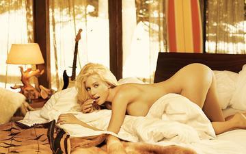 девушка, утро, блондинка, попа, грудь, постель, голая, спальня, обнаженаая