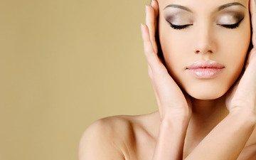 девушка, портрет, модель, лицо, макияж, закрытые глаза, голые плечи
