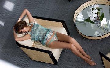 девушка, брюнетка, топ, трусики, модель, комната, ножки, кресло, irina sheik, ирина шейк, модел
