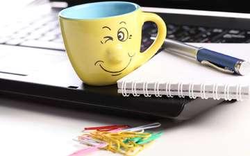 ручка, кружка, офис, ноутбук, блокнот, скрепки