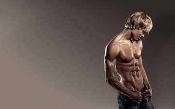 парень, джинсы, пресс, качок, мышцы, блондин, мужчина.взгляд