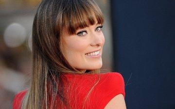 улыбка, взгляд, актриса, оливия уайлд, красное платье, оливия yайлд