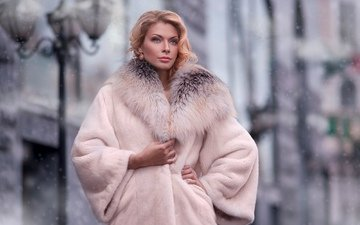 зима, девушка, блондинка, город, улица, модель, шуба