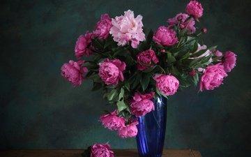 цветы, букет, розовые, ваза, синяя, стеклянная ваза, пион, пионы