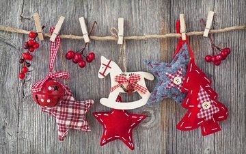 лошадь, новый год, елка, украшения, звезды, доски, фигурки, игрушки, ягоды, рождество, прищепки, верёвки, пуговицы, деревянные, тканевые