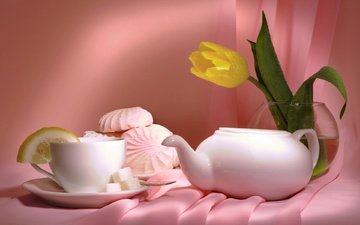 цветы, тюльпан, ваза, чай, розовый фон, зефир, натюрморт
