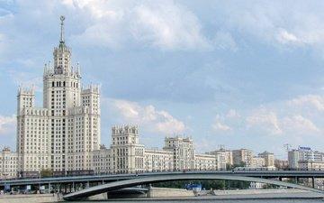 река, москва, здание