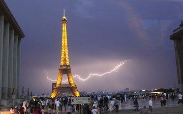 молния, париж, франция, эйфелева башня