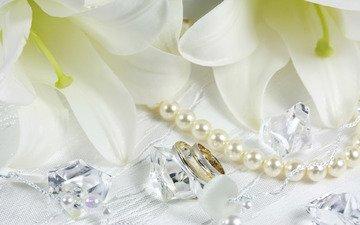 цветы, белые, бусы, кольца, лилии, кристаллы, cvety, belye, busy, lilii, kolca, жемчужины, zhemchuzhiny, kristall