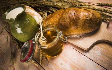 стол, пестик, колосья, хлеб, молоко, кувшин, мед, баночка, мука