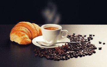 зерна, кофе, чашка, кофейные, белая, капучино, пенка, круассан, бадьян, дымок