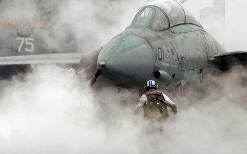 the plane, avianosec, vzlet, dym