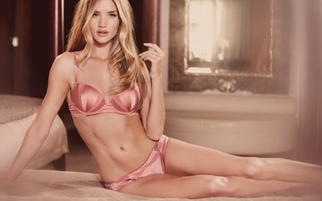 blonde, look, model, actress, bed, celebrity, rosie huntington-whiteley