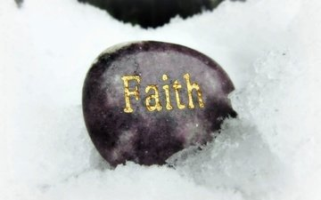 sneg, nadpis, kamen