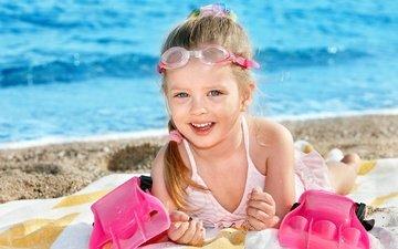 море, пляж, дети, девочка, ребенок, schastlivy devochka, ласты