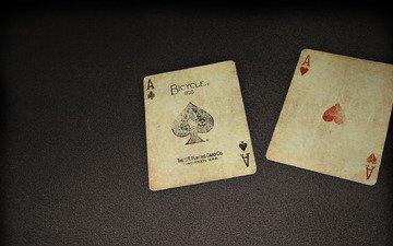 minimalizm, karty, piki i chervi