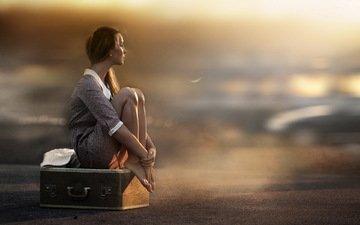 свет, девушка, настроение, грусть, чемодан, ожидание, фотограф елена шумилова