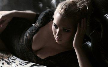 девушка, формы, блондинка, черное, фигура, тело, постель, белье, в чёрном, декольте, сексуальная