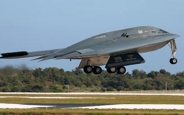 b 2 spirit bomber us airforce