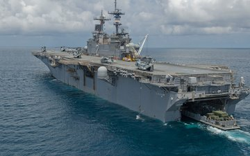 ship, deck, (lhd-2), uss essex, landing