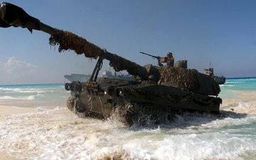 weapons, tank, the ocean, soldiers, trunk