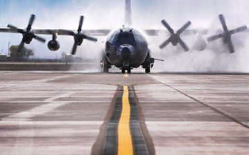 the plane, strip, cargo, stinger ii, c 130w