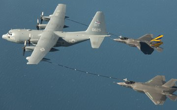 pair, fighters, tanker, lockheed, f-35c, kc-130, hercules