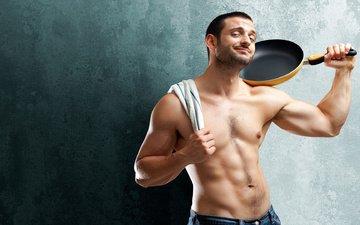 взгляд, парень, тело, полотенце, торс, сковорода