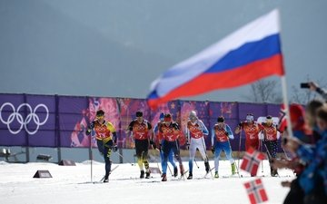 snow, russia, flag, flags, norway, skiers, sochi 2014, sochi 2014 olympic winter games, the xxii winter olympic games, ski race