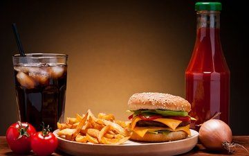 лёд, гамбургер, кока-кола, булочка, картошка-фри