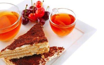 напиток, чай, вишни, чашки, пирожные, поднос
