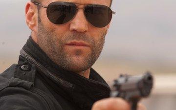 оружие, пистолет, очки, актёр, мужчина, джейсон стэтхэм
