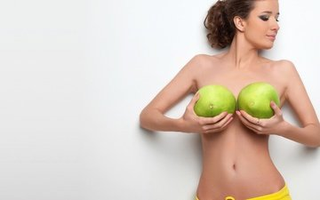 зелёный, брюнетка, фрукты, белый, грудь, шорты, талия