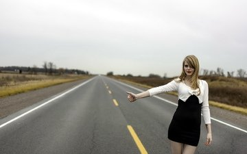 road, girl, the situation