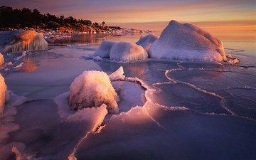 деревья, вода, камни, берег, мороз, горизонт, склон, лёд, трещины, глыбы