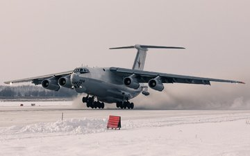 the plane, tanker, the il-78m