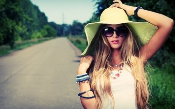 road, photo, blonde, glasses, jewelry