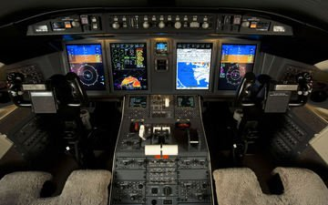 bombardier, challenger 605, flight deck