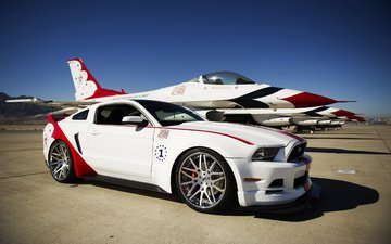 strip, the plane, wheel, white, fighter, car, tuning, drives, mustang, ford, supercar, muscle, petrel, thunderbirds., gt