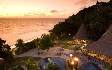 деревья, пейзаж, море, пляж, дома, бассейн, курорт, бунгало, ресторан, лежаки, зонтики, басеин, payzage, столики ба.р кресла стулья