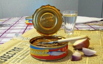 еда, стол, газета, водка, санкции, консервы