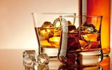 напиток, лёд, кубики, бутылка, бокалы, алкоголь, виски