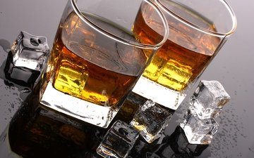напиток, капли, лёд, стол, кубики, бокалы, виски