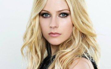 глаза, девушка, блондинка, взгляд, модель, певица, аврил лавин, красотка, сексапильная
