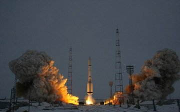 space, the spacecraft express-am5, baikonur cosmodrome, proton-m, the launch of proton-m, launch complex of the platform 81