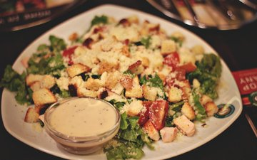 помидоры, курица, салат, цезарь, арелка, сухарики
