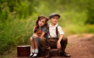 дети, девочка, мальчик, ожидание, чемоданы